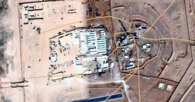מאחורי בניית בסיס אווירי אמריקאי בירדן ליד מפגש גבולות סוריה ועיראק