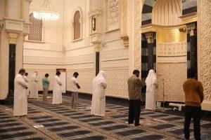 שמירת מרחק בתפילה