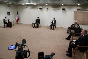 Kadhimi-Khamenei-meeting-No-shoes-p3