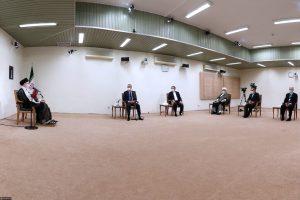 Kadhimi-Khamenei-meeting-No-shoes-p4