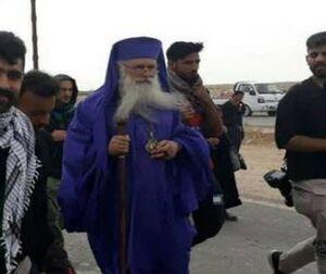 Arbaeen-Pilgrims-Christian-Priests-3