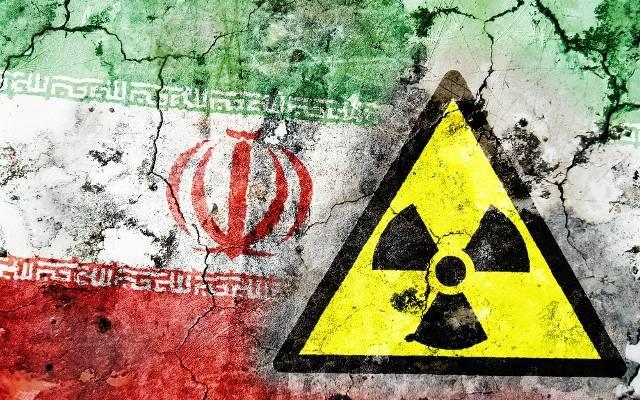 """""""טראמפ נשאר לבדו בעוד העולם מסרב לעצור את איראן מלייצר נשק גרעיני"""""""