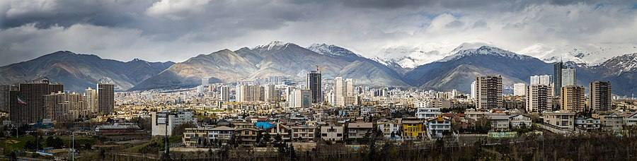 Tehran-panorama-in-winter-in-a-clear-day