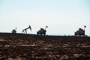 Syrian-Oilfields-wars-5-US-patrol-2