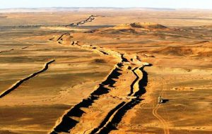 Westren-Sahara-Wall-1
