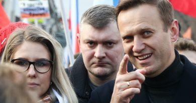 רוסיה מחמירה מאוד הענישה נגד האופוזיציונר שהורעל-נבלני שחזר הביתה