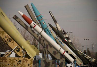 """נשק """"התקפי"""" ו""""דוקטרינה משתנה """": דו""""ח אודות טילי איראן והתפשטותה באזור"""